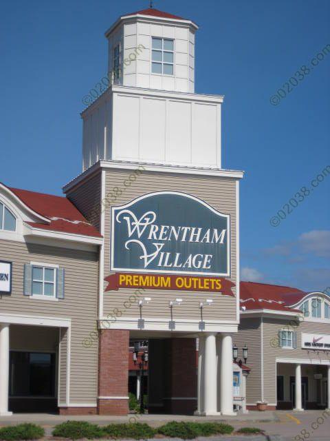 wrentham-premium-outlets-building.jpg