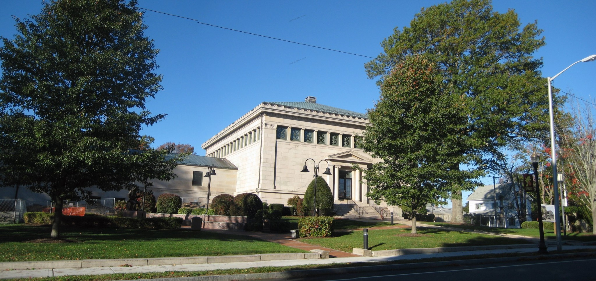 Franklin Library Franklin MA 2016 - front