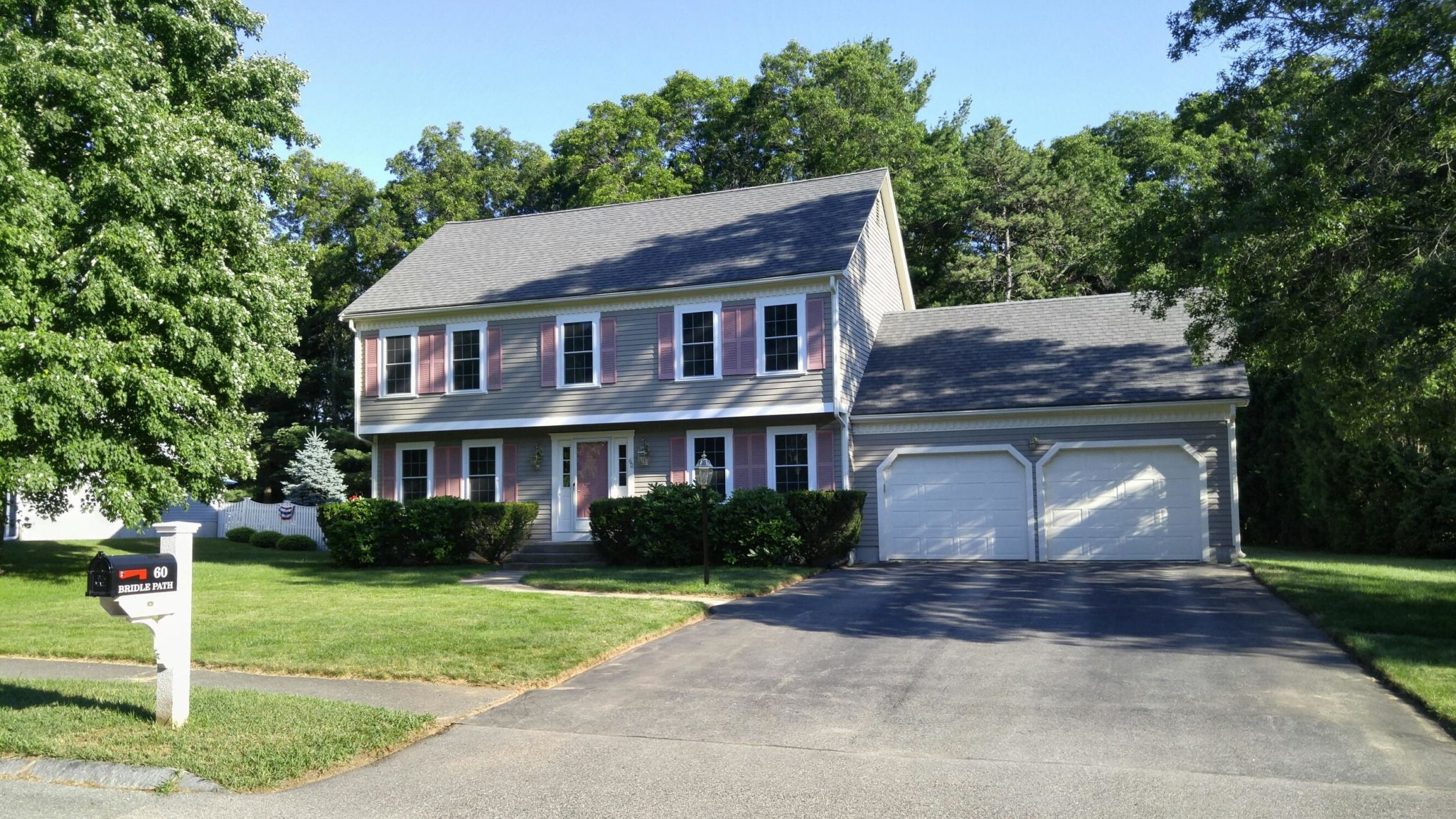 Sparkling colonial on bridle path in franklin franklin for Home for sale in mass