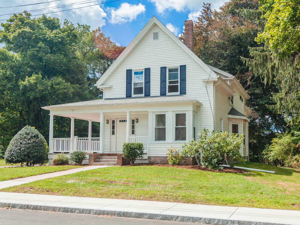 28 Queen St Franklin Ma 02038